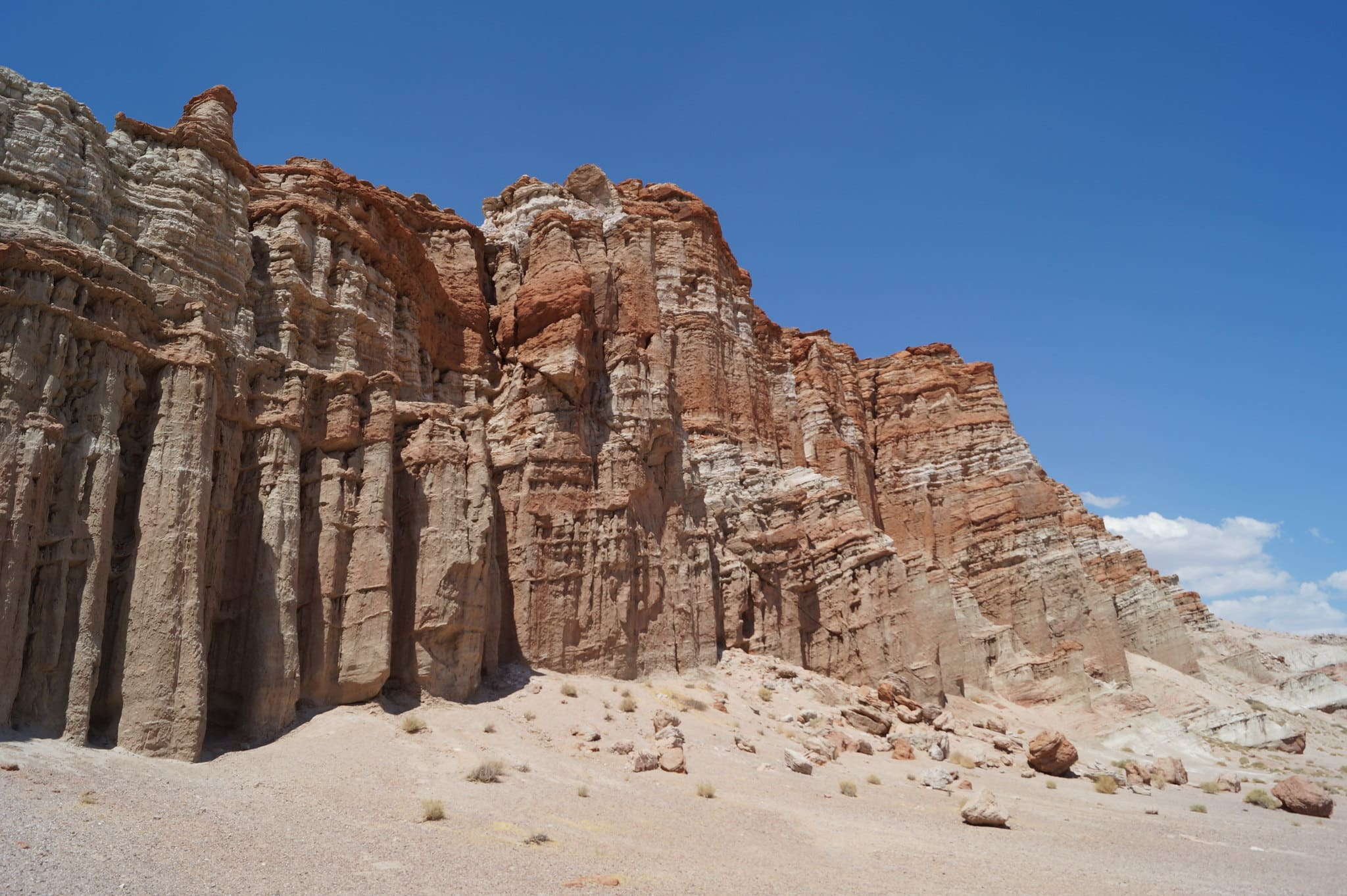 Red Rock Canyon in California, one of the best places to elope.