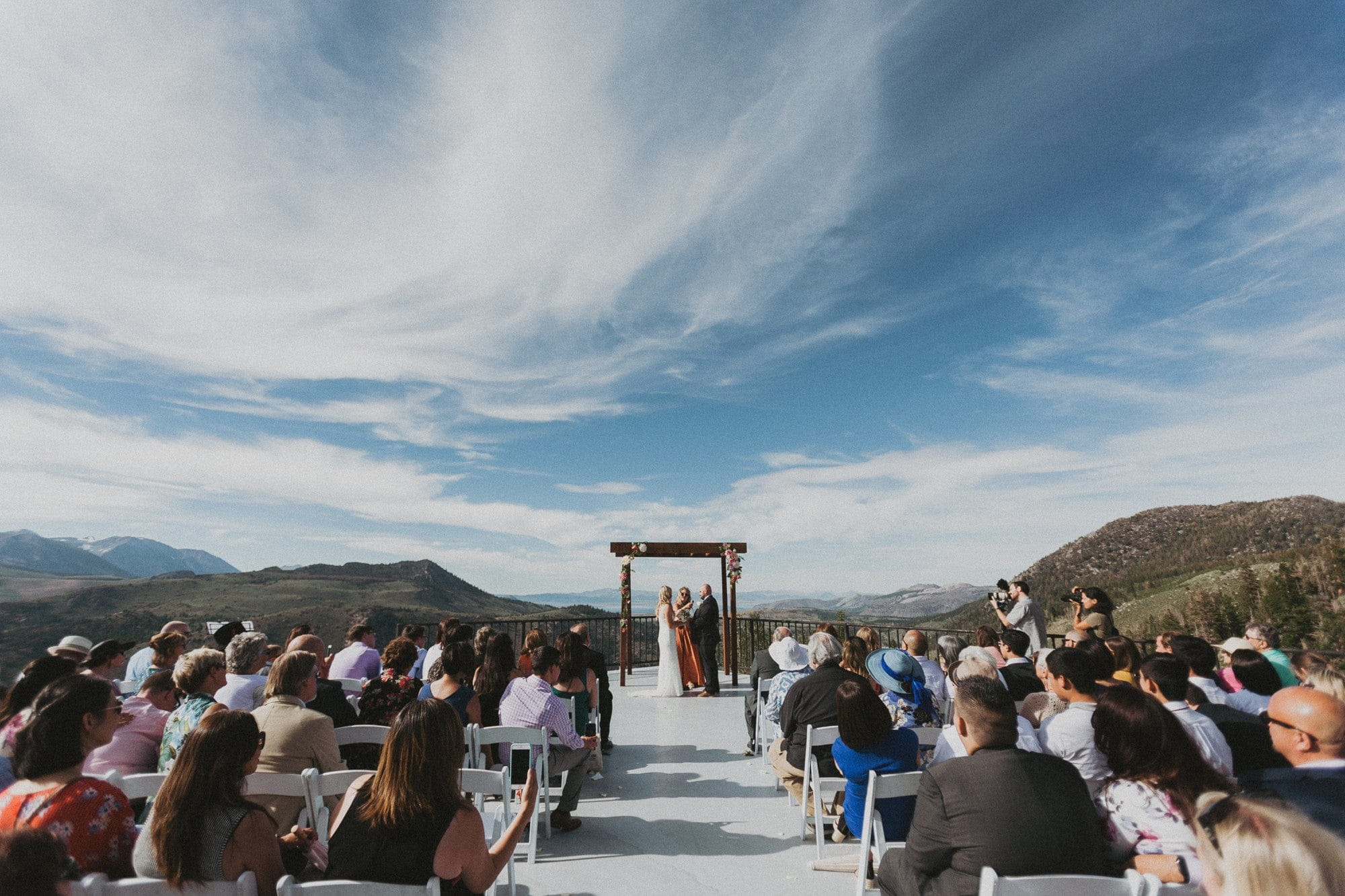 A couple getting married at June Mountain, a wedding venue outside Yosemite.