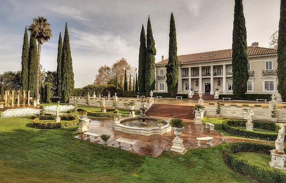 The Grand Mansion, a Sacramento wedding venue.