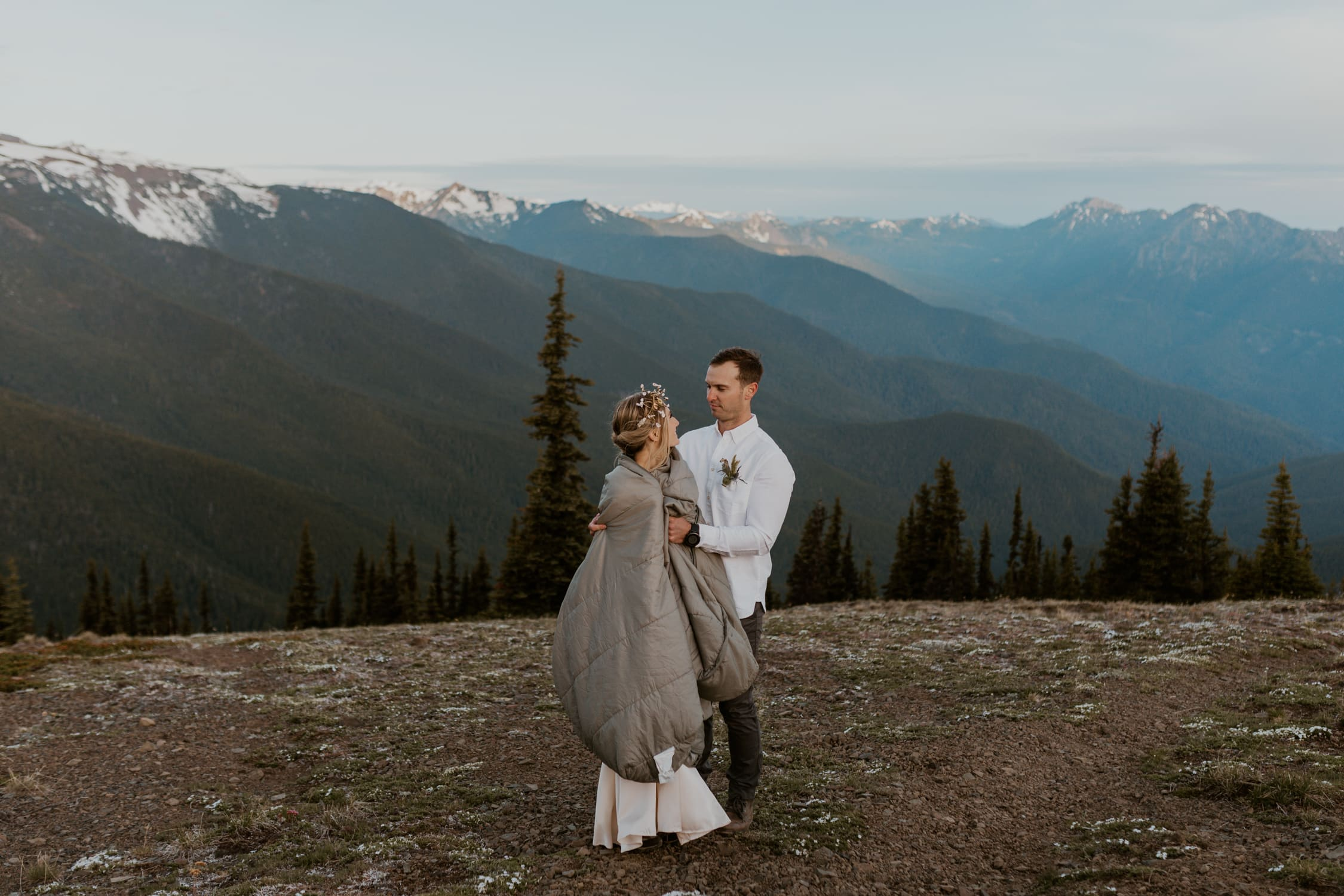 Hurricane Ridge elopement pictures of a couple.
