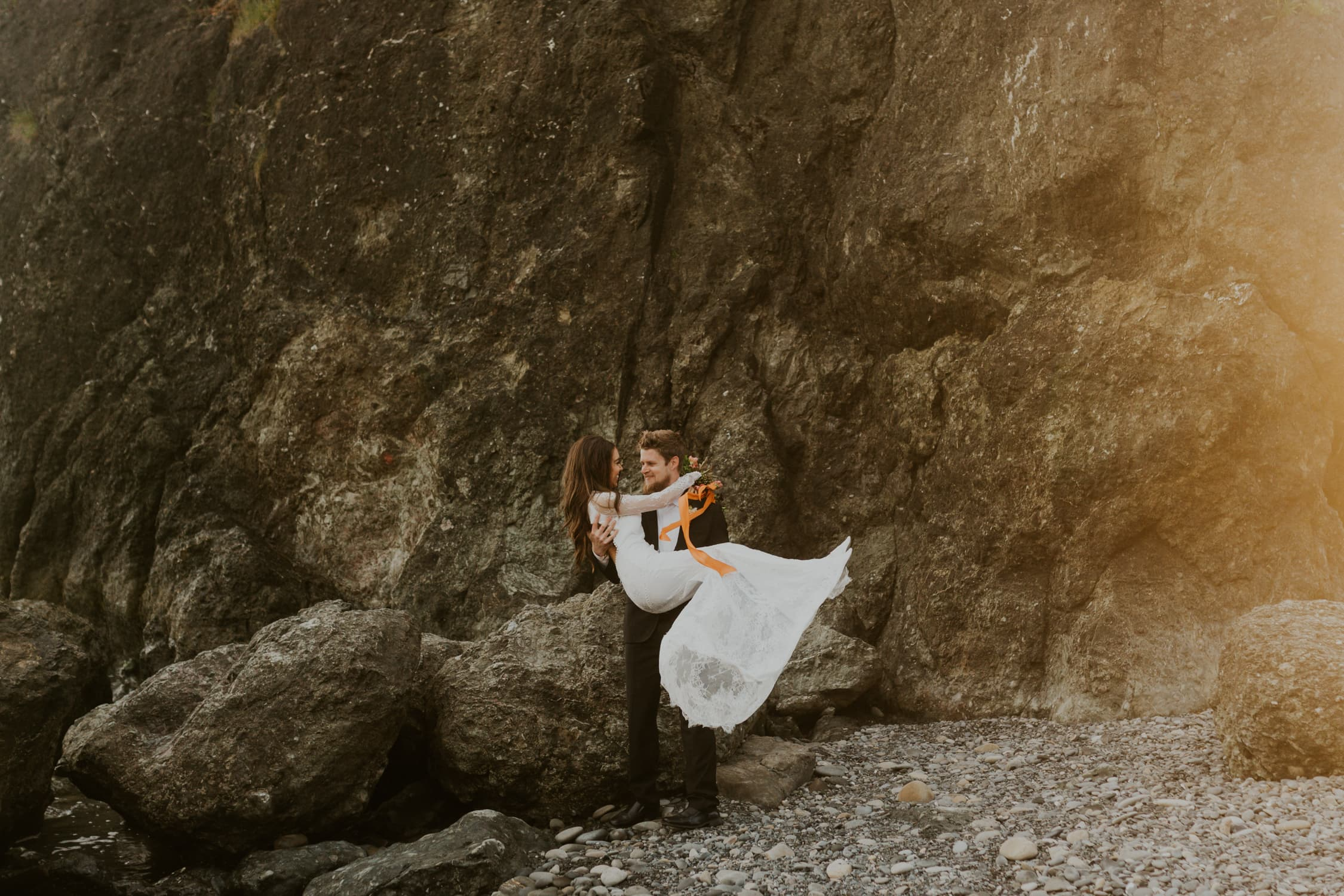 A couple eloping on Ruby Beach.