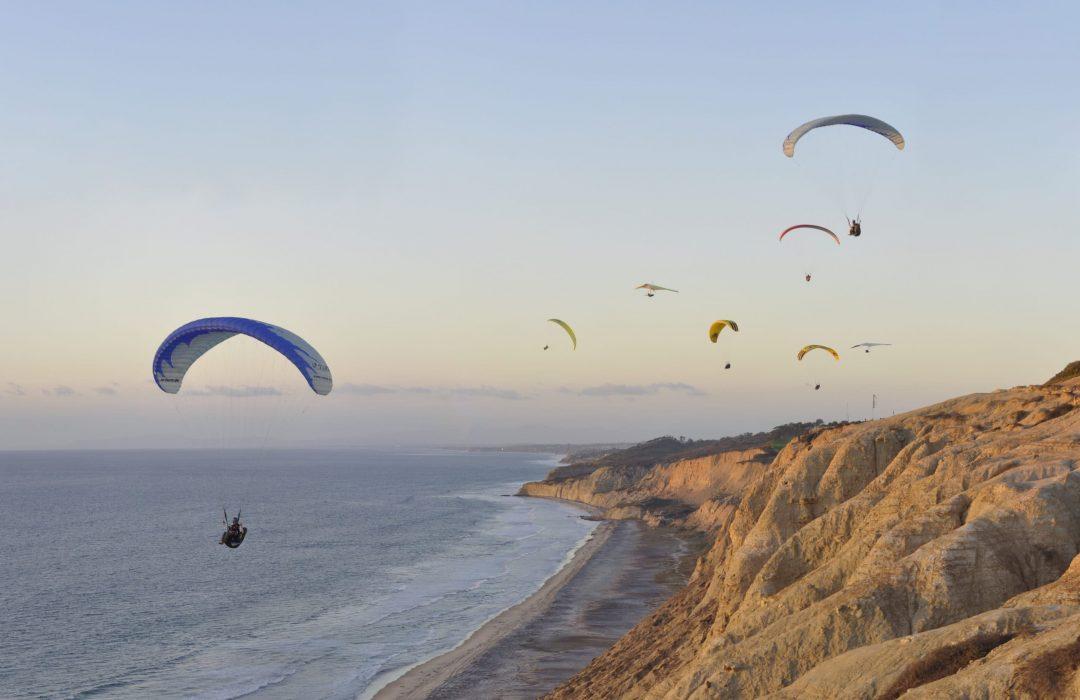 Gliders at Torrey Pine Gliderport, a beach wedding venue in San Diego.